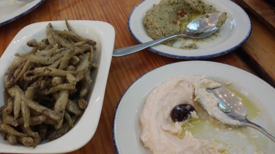 Mamakas: Fried mediterranean smelts; house dips