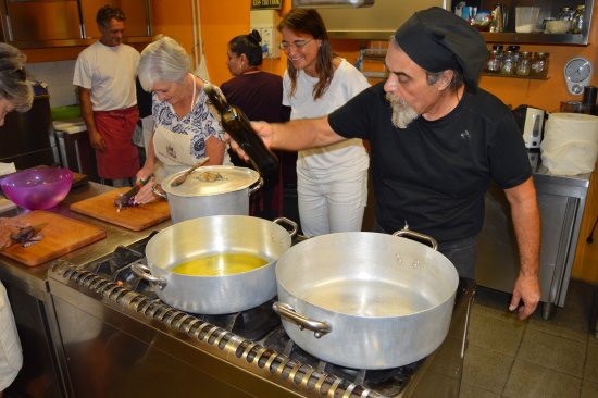 Torraccia di Chiusi: Bruno the Master Cook at Work