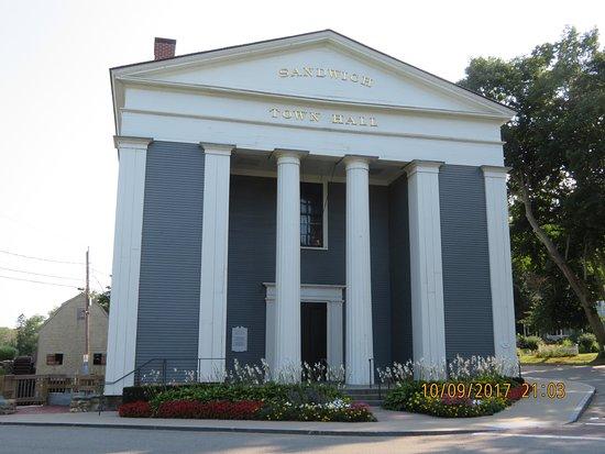 Сандвич, Массачусетс: Town Hall