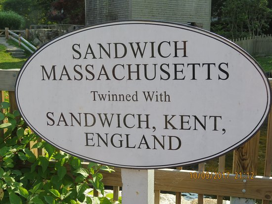 Sandwich, MA: Hands across the sea