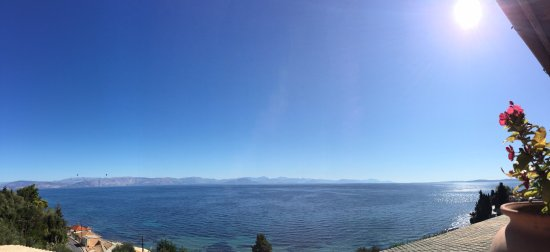 Perama, Yunanistan: The phenomenal panoramic view from the outdoor terrace area- photos really don't do it justice.