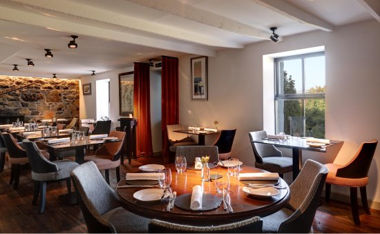 Colbost, UK: Inside The Three Chimneys Restaurant