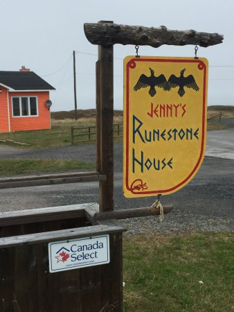 Newfoundland, Canada: Jenny's Runestone House