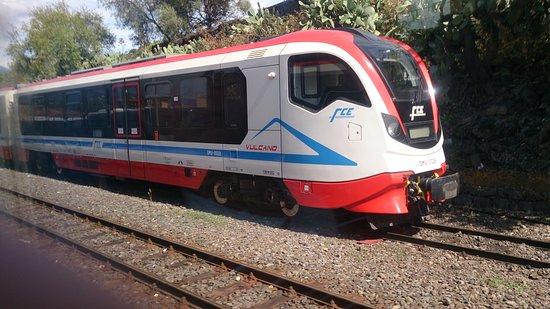 20e6b0d1b0b72 Helt nye tog også - Picture of Circumetnea Railway, Taormina ...