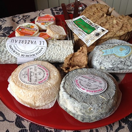 Bonsecours, Francja: Selection of six mature chevre cheeses