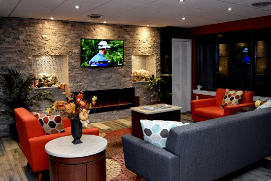 Quality Inn - East Stroudsburg POCONOS: Lobby Seating Area