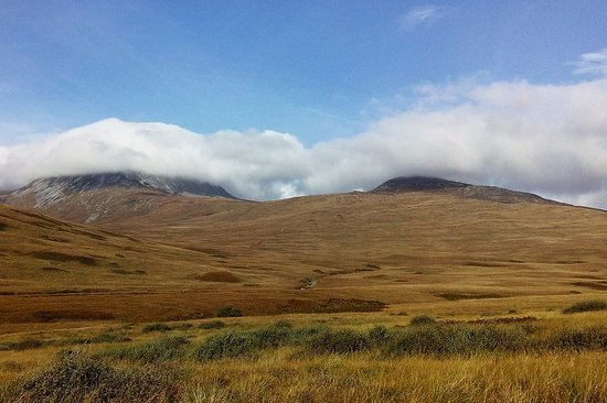 Isle of Jura, UK: Paps dans les nuages