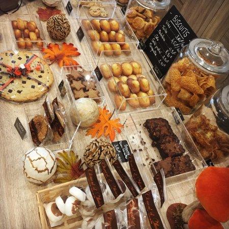 Aubagne, Frankreich: La Biscuiterie