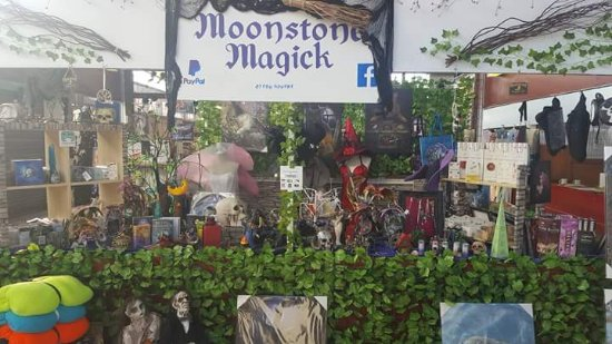 Coalville, UK: Moonstone Magick