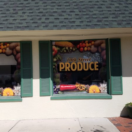 Saint Cloud, Flórida: 10th Street Produce has just moved to their new location in St. Cloud Fl. 920 New York Ave. They
