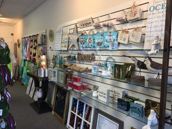 Avon, Caroline du Nord : OBX Attitude is unique gift shop located in the Food Lion shopping center!