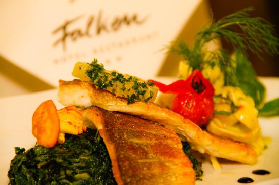 Hotel Gasthof Falken: Speisen der Region