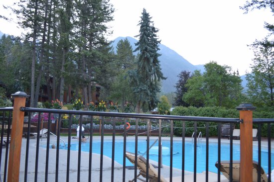 Fairmont Hot Springs, Canadá: Pool for guests-only