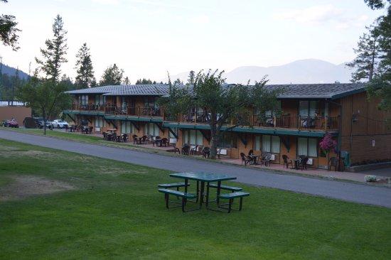 Fairmont Hot Springs, Canadá: Hotel buildings