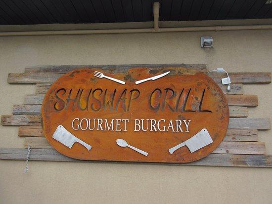 Salmon Arm, Canada : Their sign