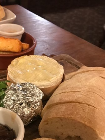 The Star Inn: Baked Camembert with roasted garlic, and haloumi chips