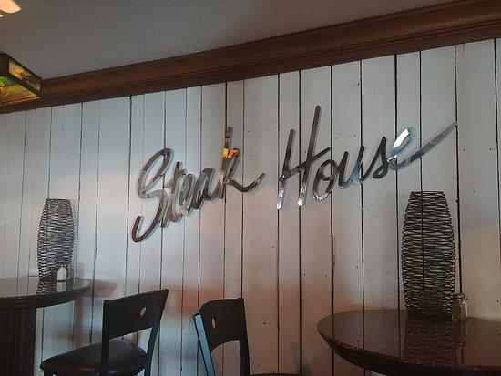 ออริกอน, โอไฮโอ: Cousino's Steakhouse