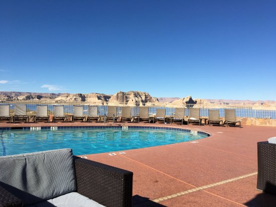 Lake Powell Resort: Great place to sit and enjoy the scenery