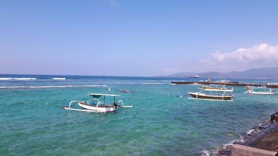 D'Tunjung Beach Resort : Uitzicht vanuit het restaurant.