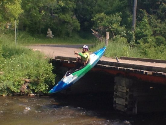 Wolverine, MI : World class kayaking/rafting guide from Costa Rica having fun. Don't try this!