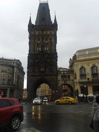 Pulverturm (Prašná brána): Пороховая башня