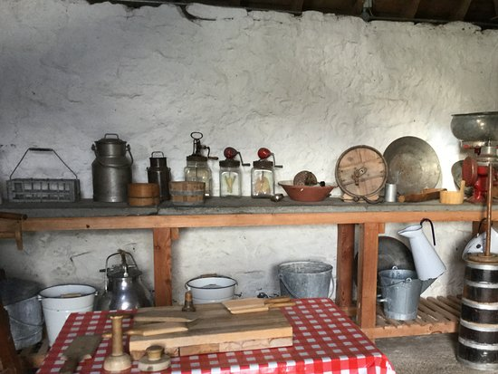 Newtonmore, UK: Kitchen 1800