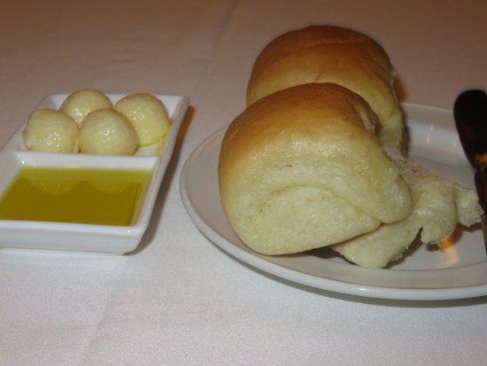Parker's Restaurant: Famous Parker House Rolls