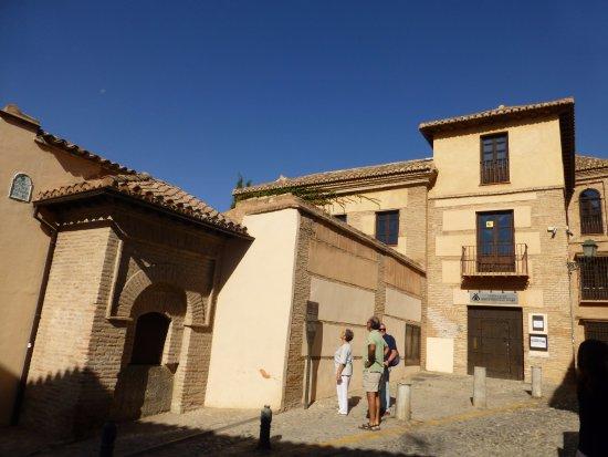 Entrada Al Edificio Picture Of Carmen Del Aljibe Del Rey Centro De Interpretacion Del Agua Granada Tripadvisor