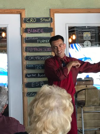 Bernalillo, Нью-Мексико: Great pizza chef and owner .