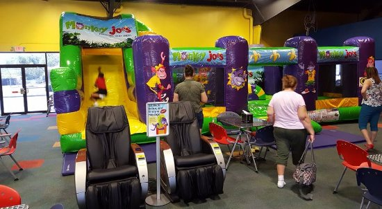 Warner Robins, GA: Inflatable bounce house