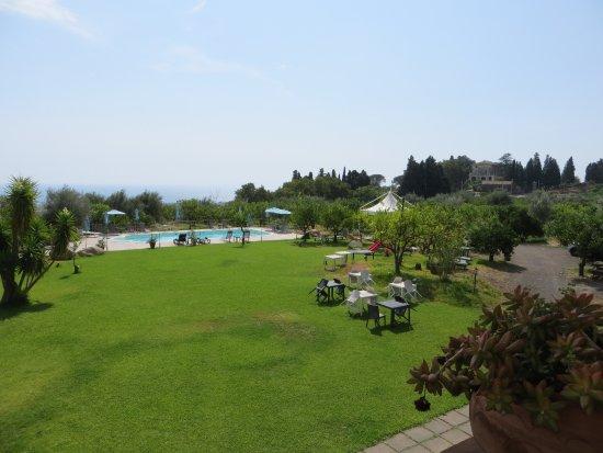 Giarre, Italia: Blick auf den Pool