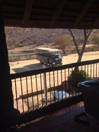 Cullinan, Zuid-Afrika: Safari Vehicle at Zebra Country Lodge