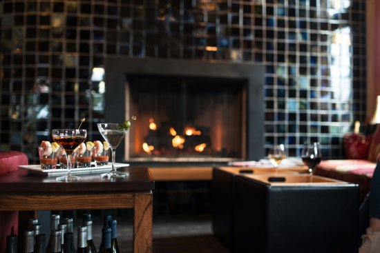 Lake Oswego, Oregón: Cozy and chic space to spend time with friends.