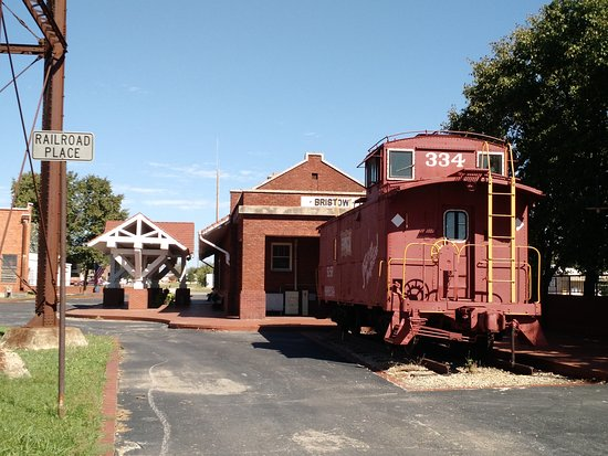 Old Bristow Railfroad Station and Museum