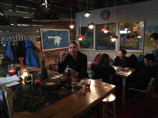 Sacré-Coeur-Saguenay, Canada : The bar in Casta Fjord Cafe