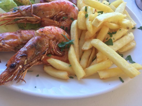 Cypriana Taverna & Meze House: Grilled prawn with gluten free chips