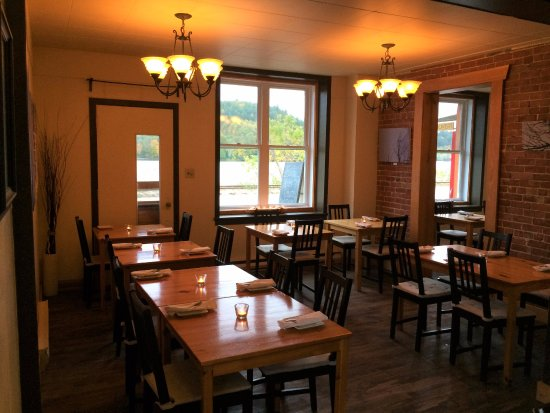 Wakefield, Canadá: MAIN DINING ROOM