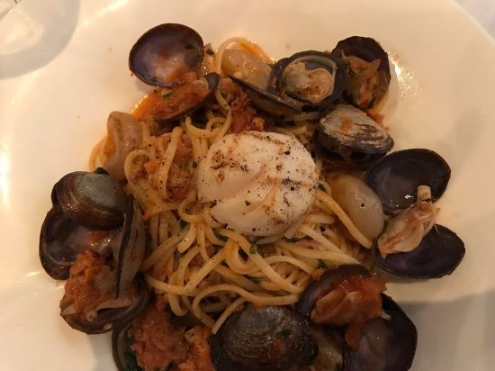 Cucci: Linguine with sausage, scallops and mussels
