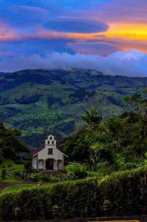 San Ramón, Costa Rica: La Mariana Chapel