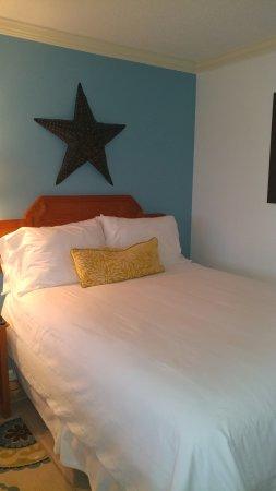 Ocean Isle Inn : Comfortable Bed