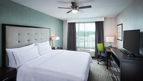 North Bay, Canada: One Bedroom Suite with King Bed
