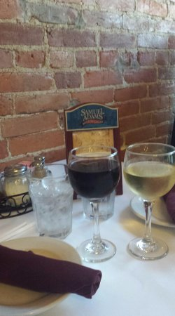 The Brick Oven : Great wine