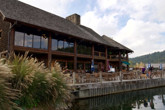 Clarkesville, Georgien: Chop House Restaurant on Lake Burton
