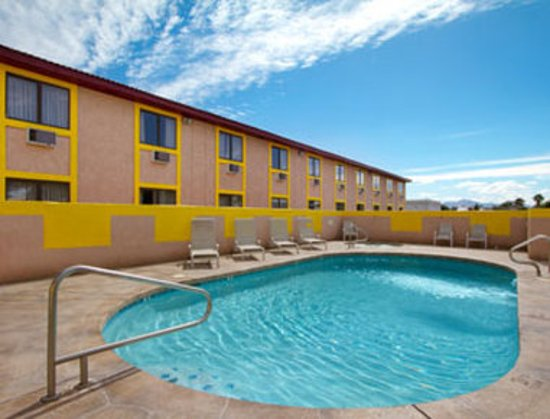 Super 8 Goodyear/Phoenix Area: Pool