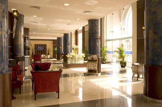 Golden Tulip Al Khobar: Lobby