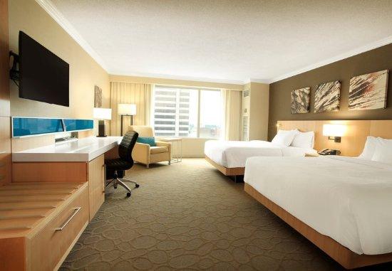 Delta Hotels by Marriott London Armouries: Premier Queen/Queen Guest Room