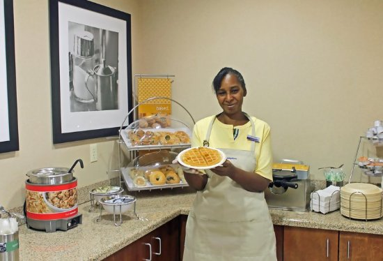 Gallipolis, OH: Breakfast Hostess