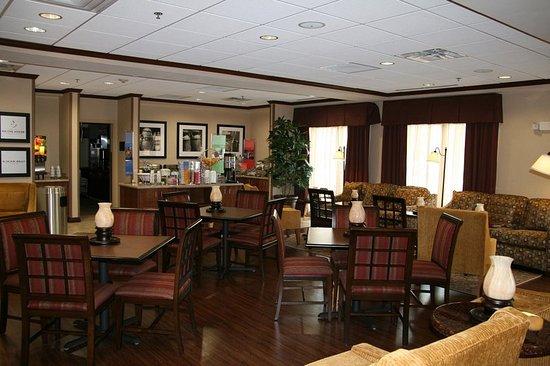 Gallipolis, OH: Lobby/Breakfast Area