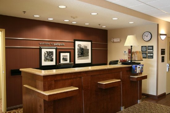 Gallipolis, OH: Front Desk