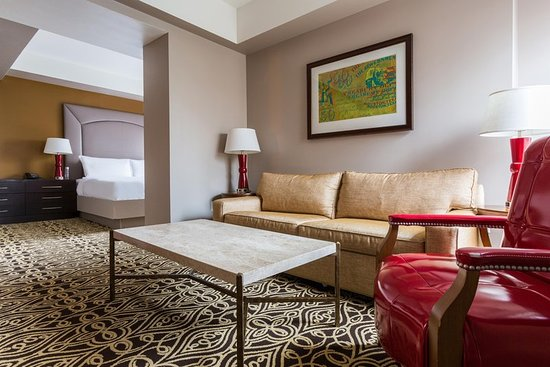The Sam Houston, Curio Collection by Hilton : King 1-Bedroom Suite